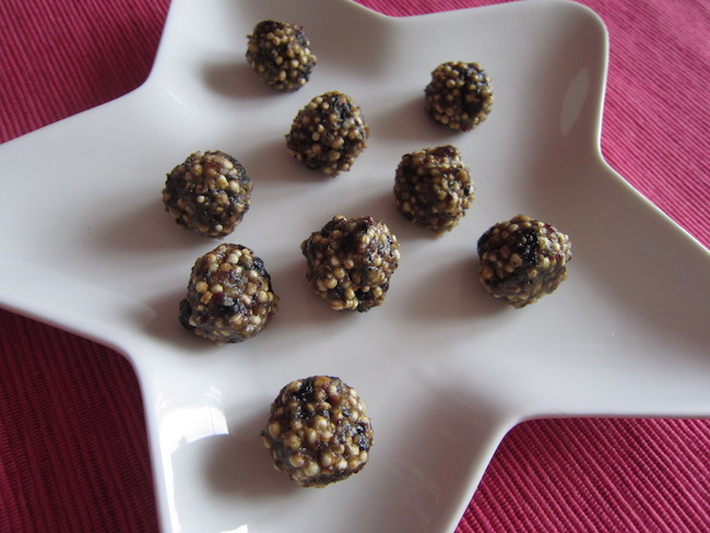 Arašídové kuličky s quinoou