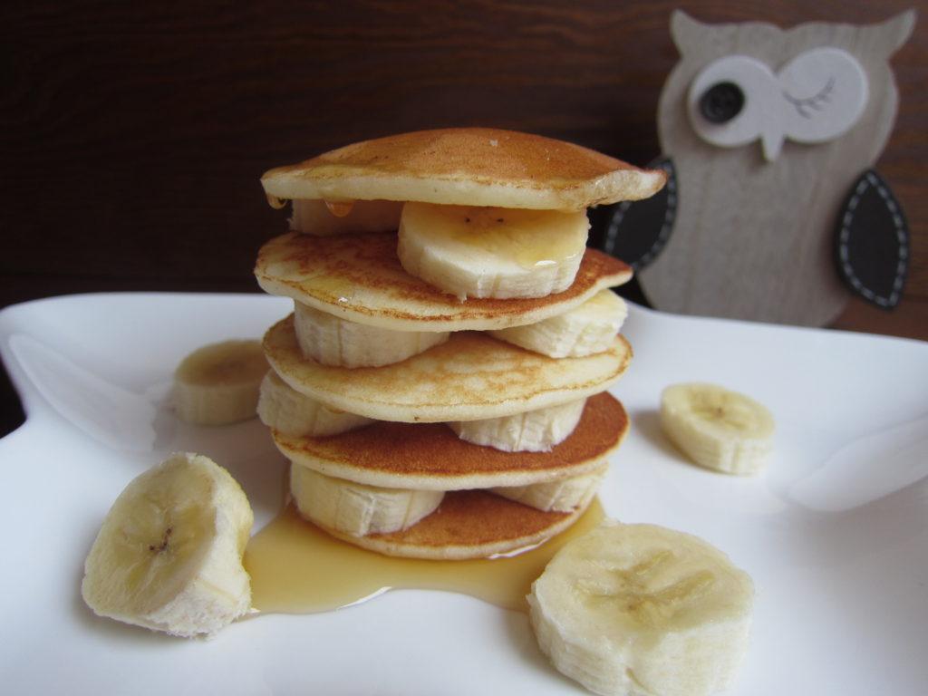 Lívance s banánem a javorovým sirupem