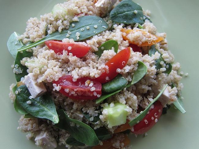 Zeleninový salát s quinoou