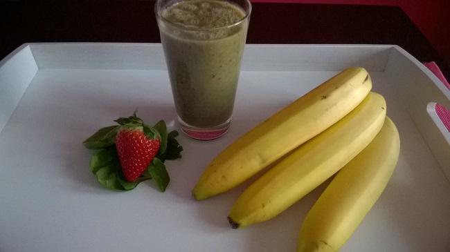 Banánové smoothie se špenátem