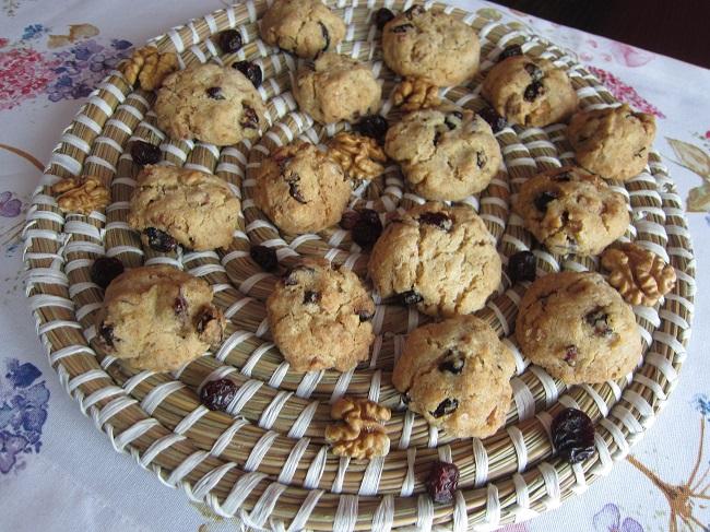 Bezlepkové brusinkové sušenky s ořechy